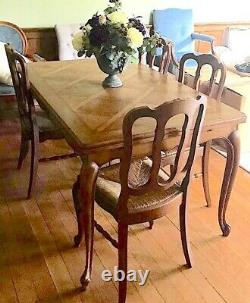 Beatiful Antique French Carved Oak Extending Dining Table and 4 Rush Chairs